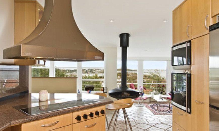 Contemporary Charm: Luxurious Countryside Villa in Torlsanda, Sweden