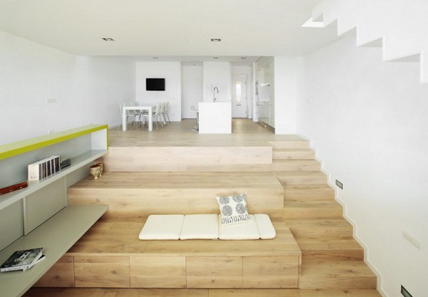 Spacious Step House Design in Narrow Plot Land 10