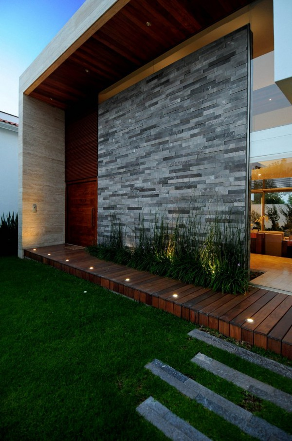EV House by Ze Arquitectura 8