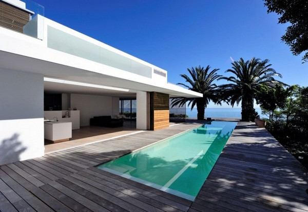 Impressive Modern Home in South Africa by Luis Mira Architects 1