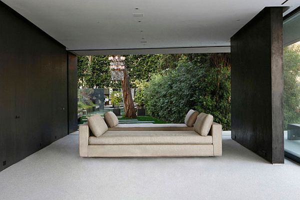 OpenHouse in Hollywood Hills, California 7