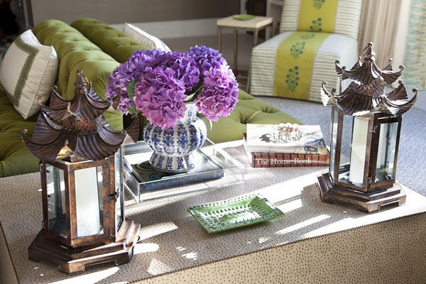 WAYS TO MAKE THE PERFECT COFFEE TABLE VIGNETTE 1