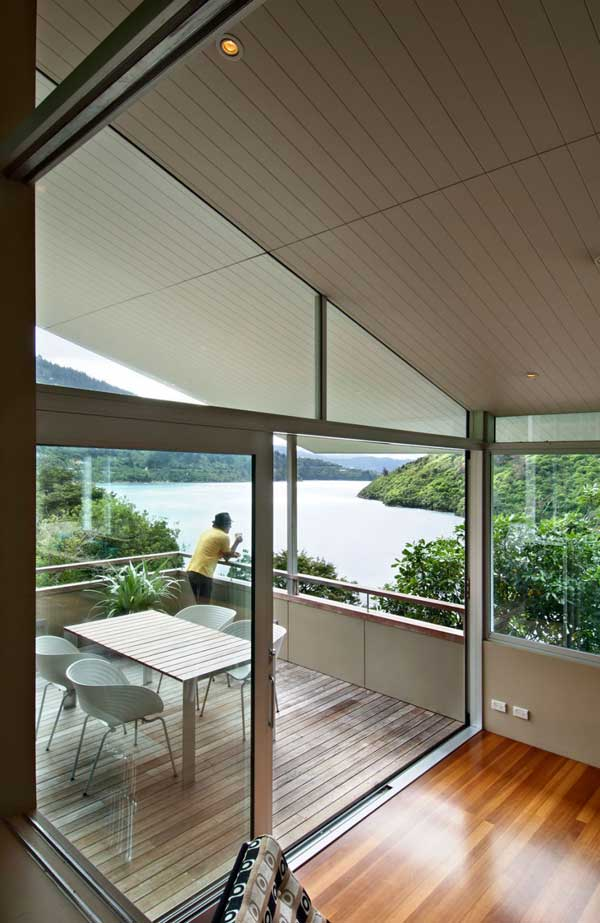 Apple-Bay-House-by-Parsonson-Architects-(12)