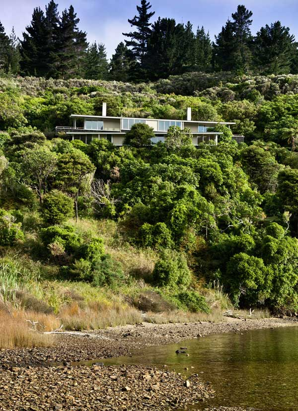 Apple-Bay-House-by-Parsonson-Architects-(2)