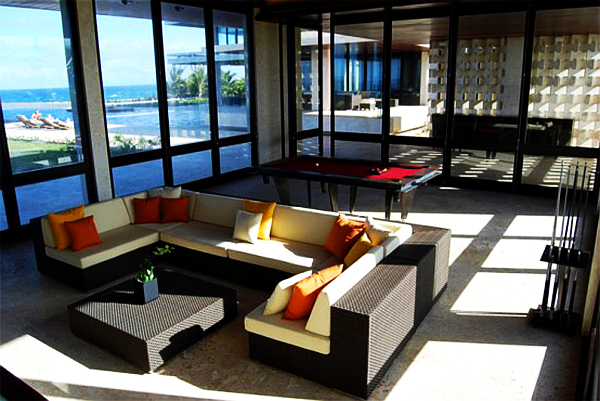 beach house living room decoration