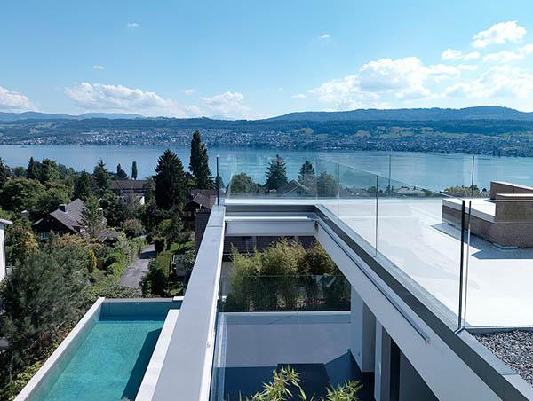 Glass Contemporary Feldbalz House – Lake views
