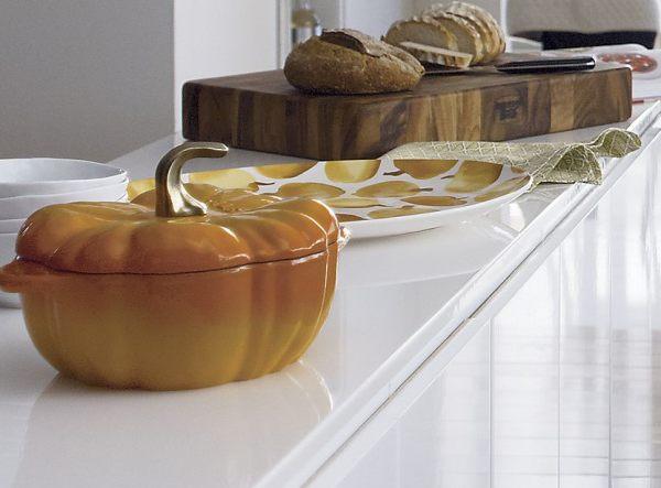 Pumpkin-themed tabletop ceramics
