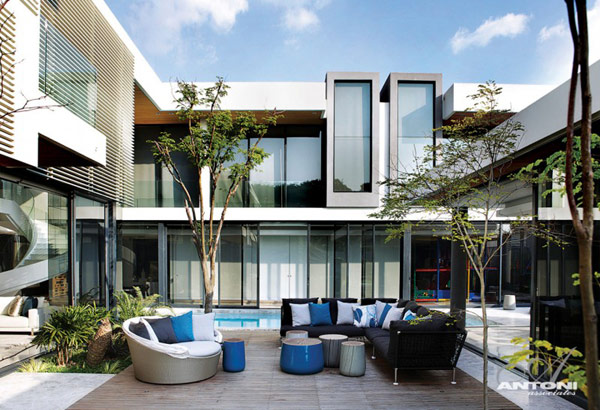 Opulent modern home in Houghton – front terrace