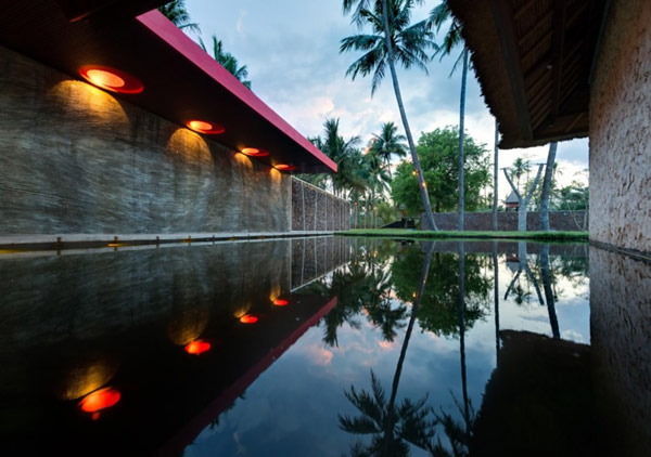 Ponds all around the Villa form a flowing visual