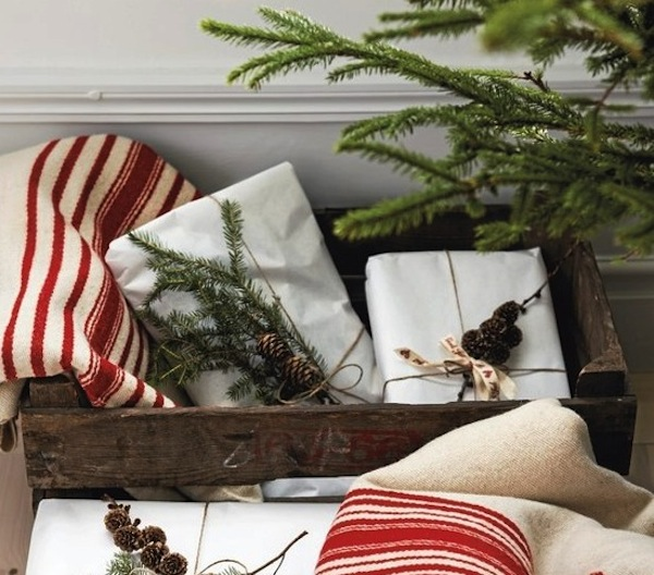 natural Christmas wrapping gifts