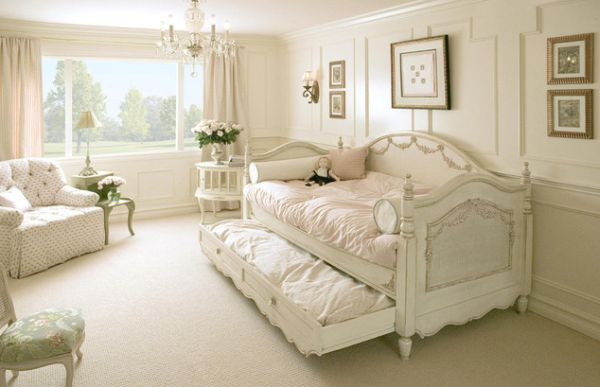 Pristine white day trundle bed ideal for a gorgeous girls' bedroom