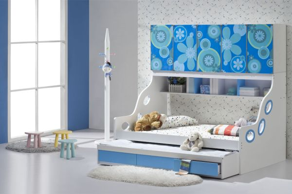 Sleek and stylish trundle bed fits in seamlessly with this chic modern kids bedroom