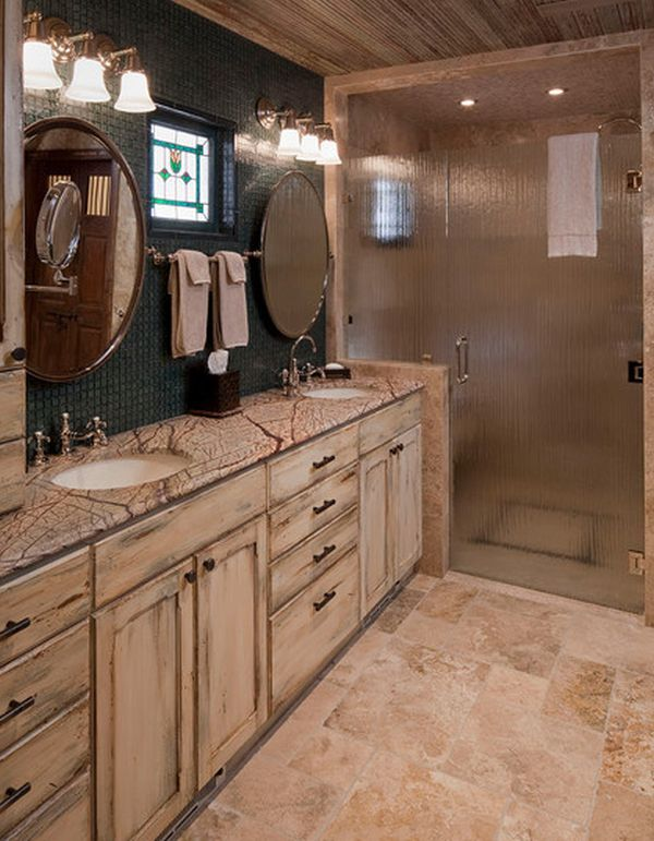 Traditional bath with lovely translucent glass shower door