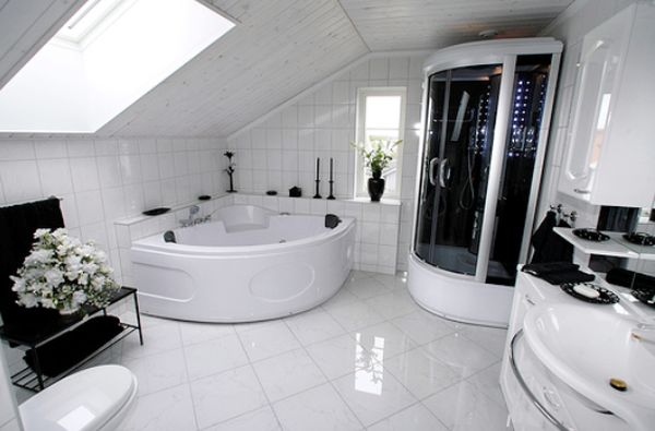 Black and white colors help to give this contemporary-style bathroom a distinguished look.