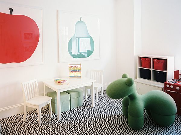 Kids bedroom with black and white pattern rug