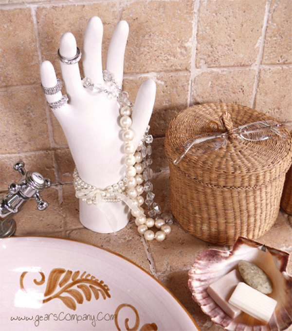 DIY Jewelry Organizer – Plaster Hand