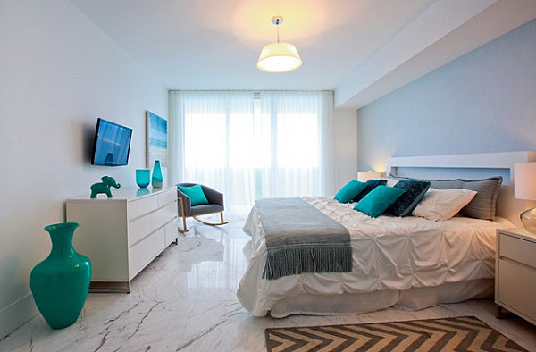 White lacquered bedroom furniture