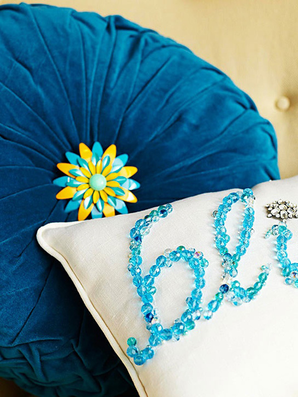 Turquoise beaded pillow DIY