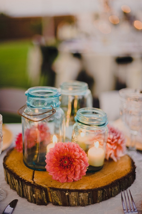 Tree medallion centerpiece with mason jars
