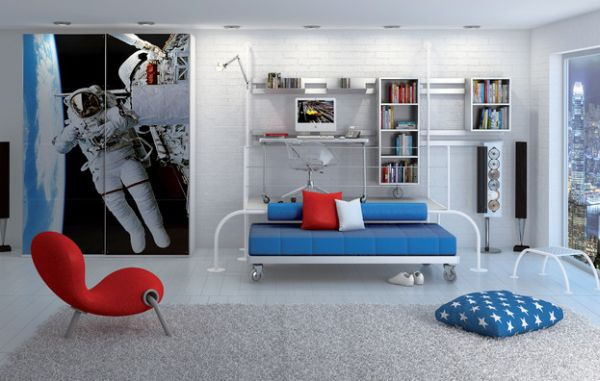 An astronaut on the closet door of the bedroom - A fitting tribute!