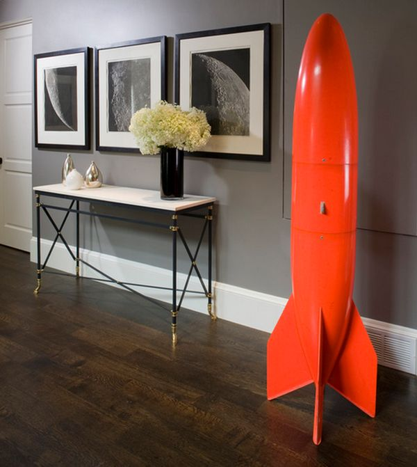 Bright orange rocket could not be added in a more classy manner!