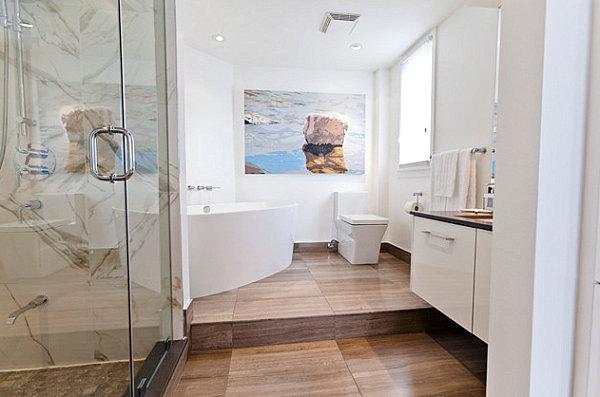 Eye-catching artwork in a modern bathroom