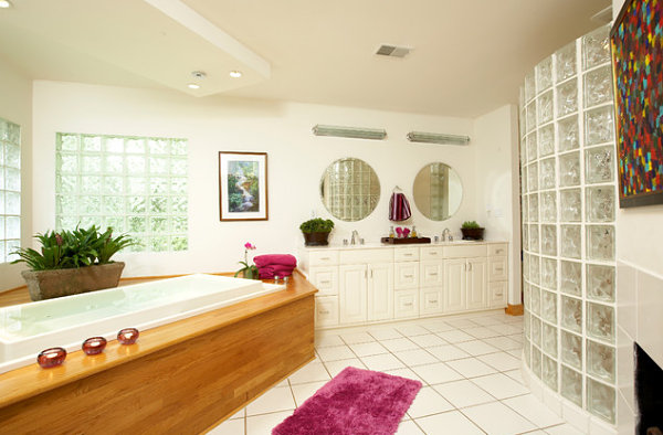 Modern white bathroom with glass block
