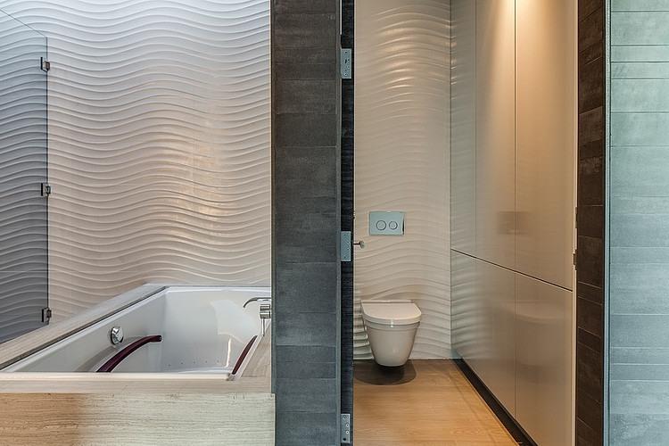 Textured tiles inside the bathroom