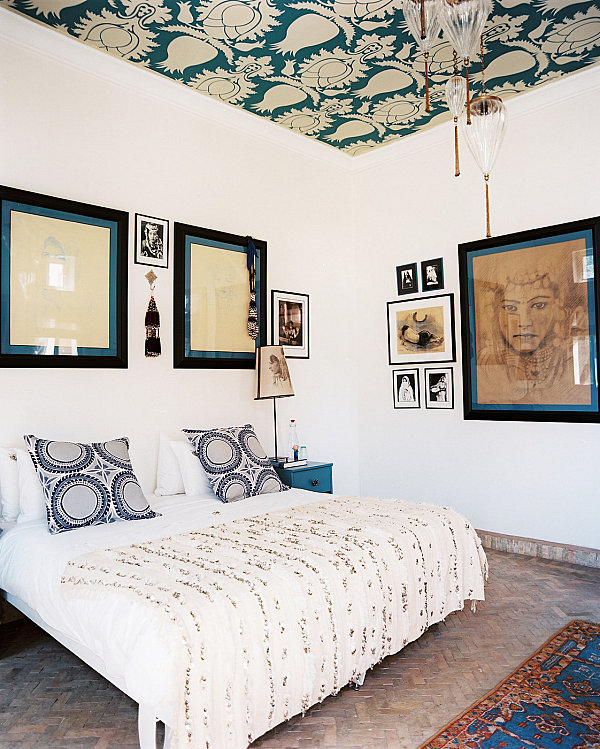 Cozy room with a patterned ceiling
