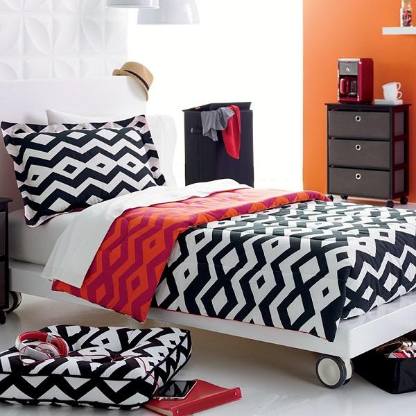 Reversible tribal print comforter