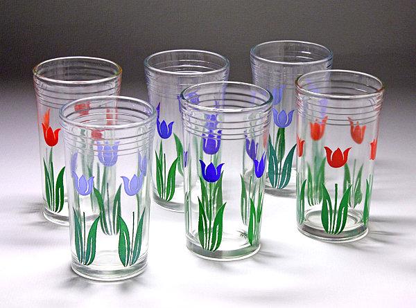 Tulip-themed swanky swigs