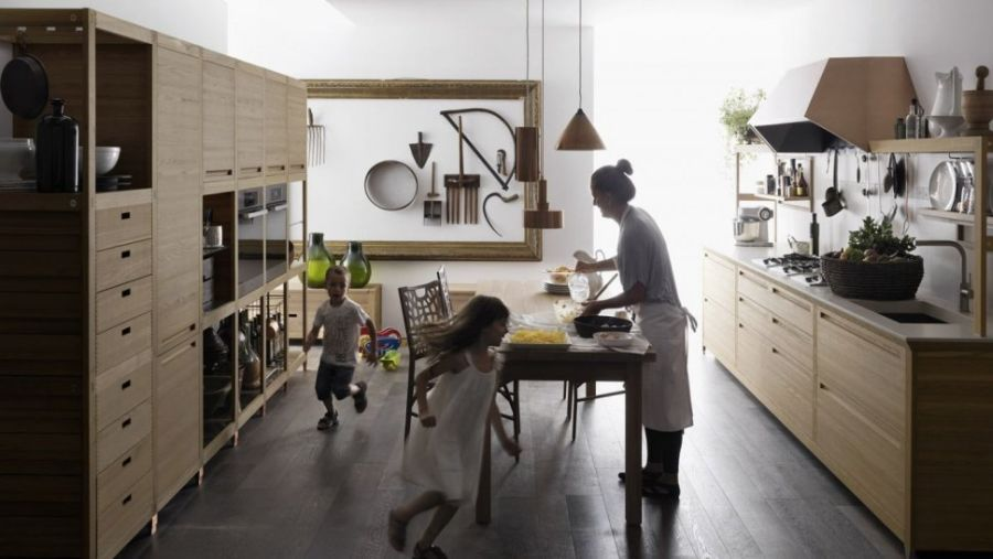 Unique and intricate wooden kitchen decor from Valcucine