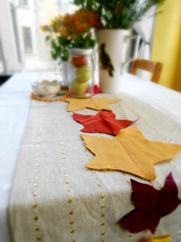 Autumn inspired leaf table runner