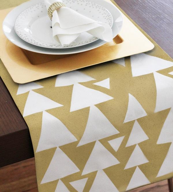 Geometric patterned table runner