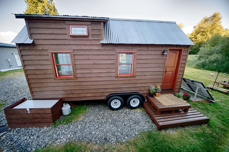 Lovely tiny tack home design