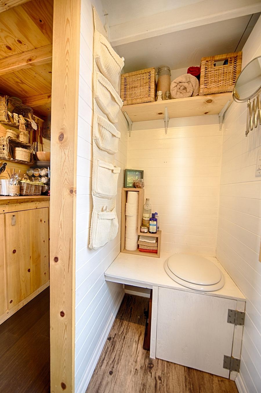 Small toilet space design