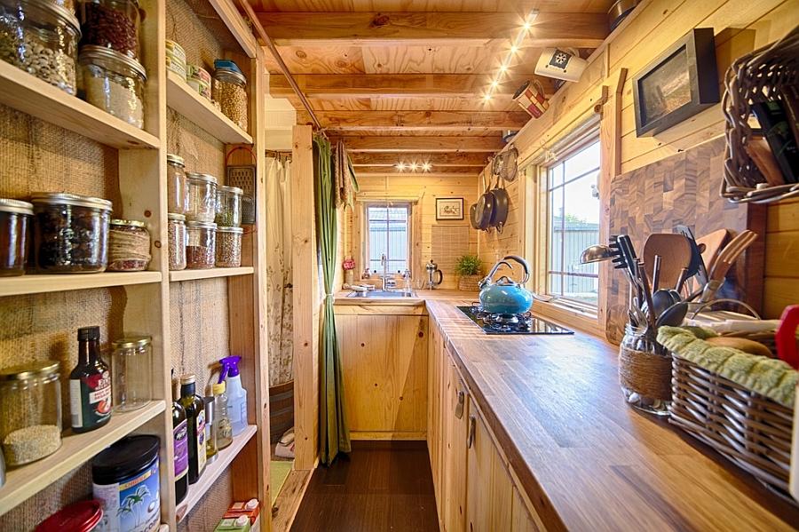 narrow kitchen design idea