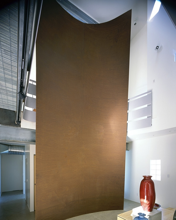 Amazing torqued steel wall inside the home