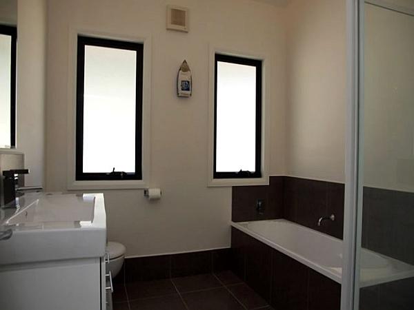 Contemporary bath inside the prefab house