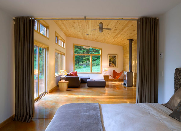 Modern cabin with divider curtain