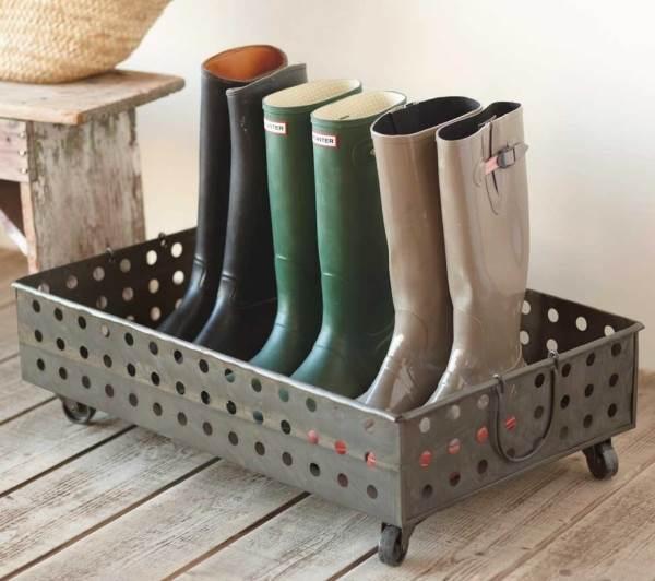 Entryway boot tray
