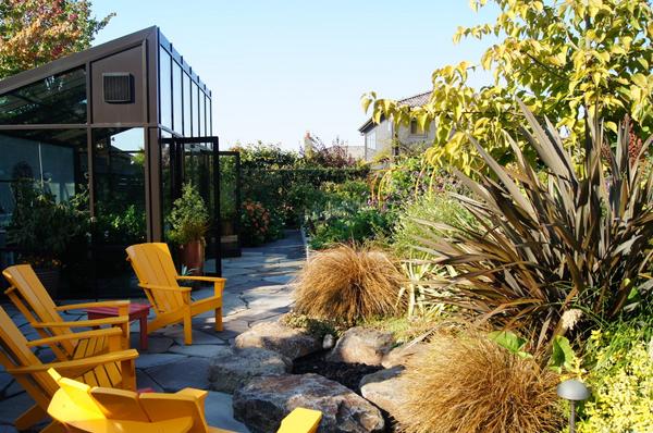 Modern Greenhouse sunroom