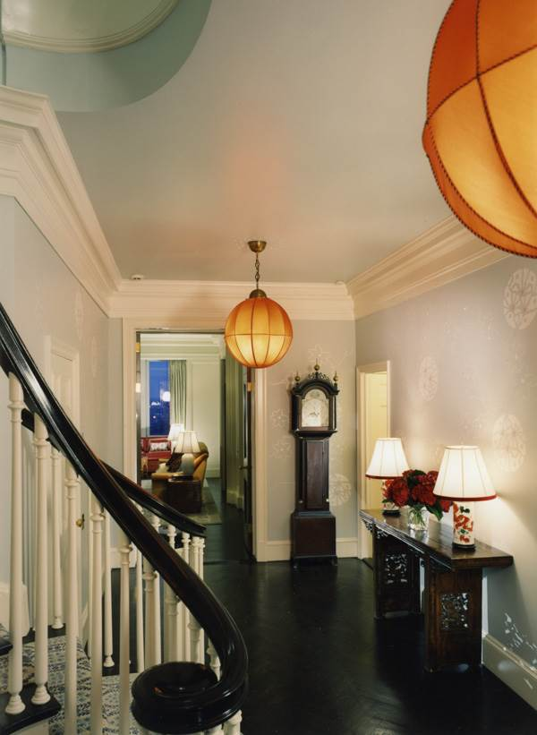 Pendant lights in a stunning entryway