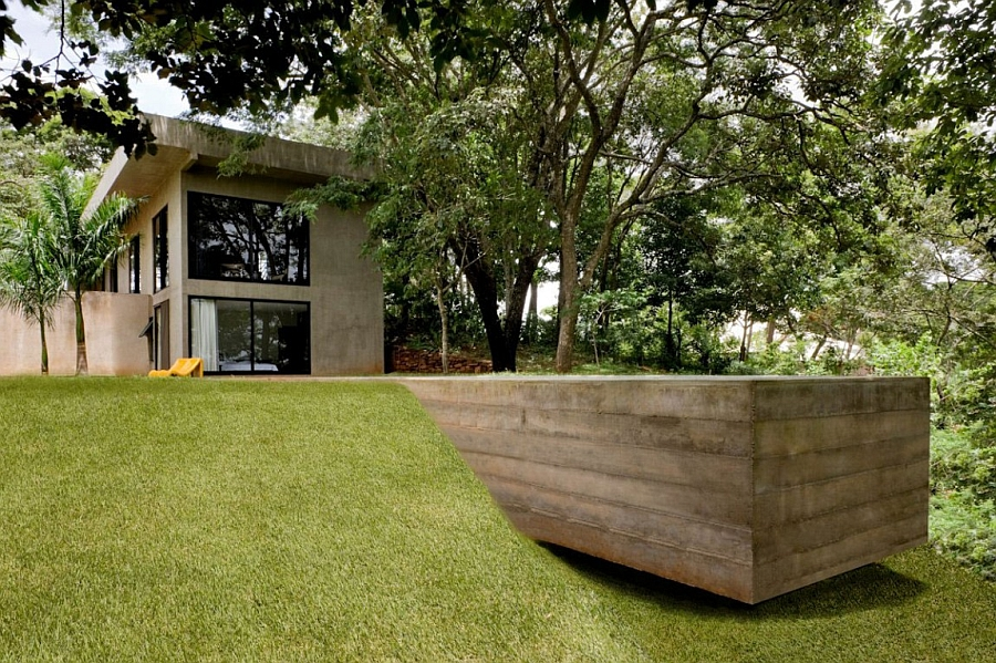 Casa da Caixa Vermelha surrounded by green canopy