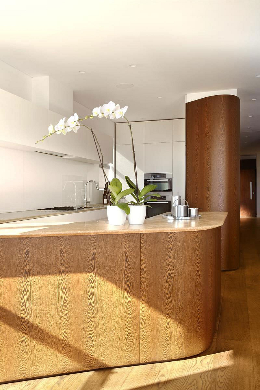 Kitchen counter with a twist