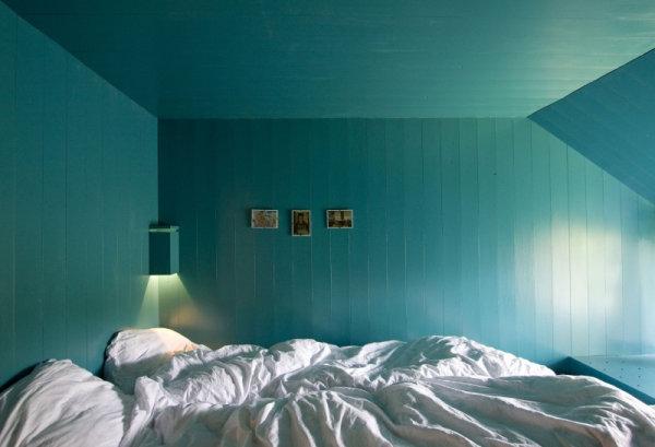 Refreshing white bedding