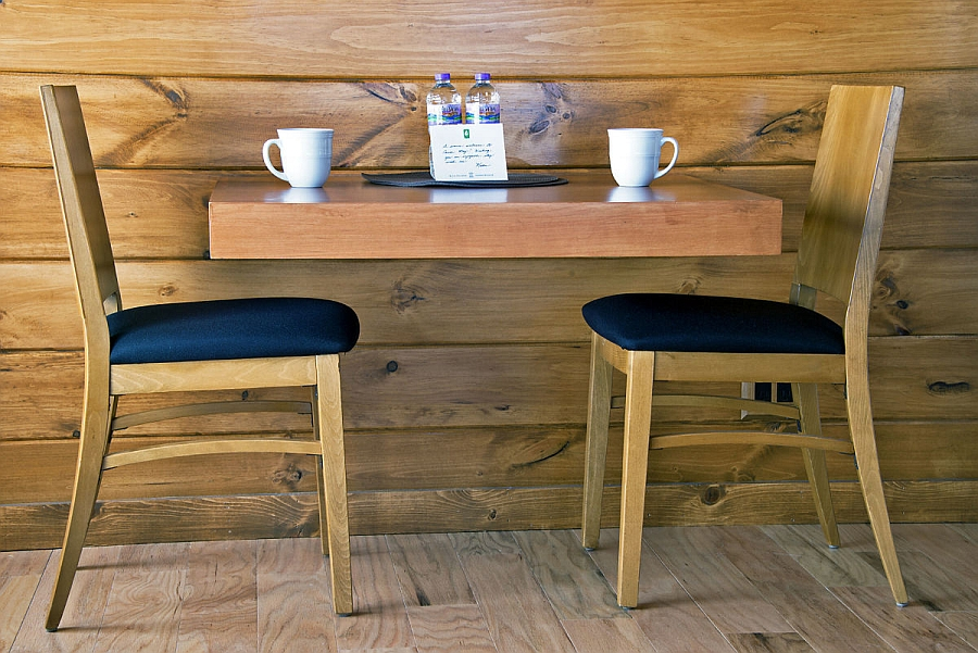 Small breakfast nook for two