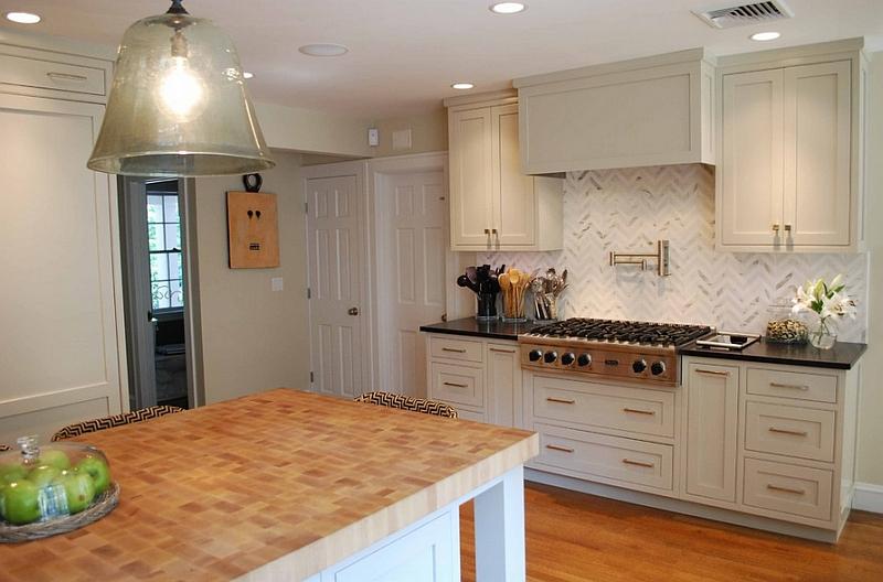 Subtle chevron pattern for the cool kitchen backsplash