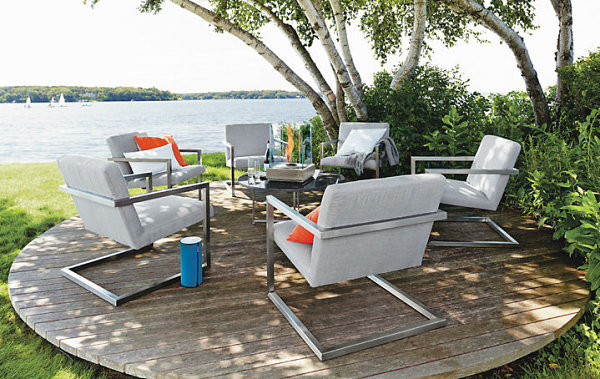 Modern lounge chairs for the outdoors