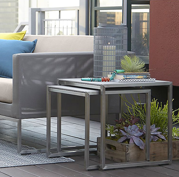 Modern outdoor nesting tables